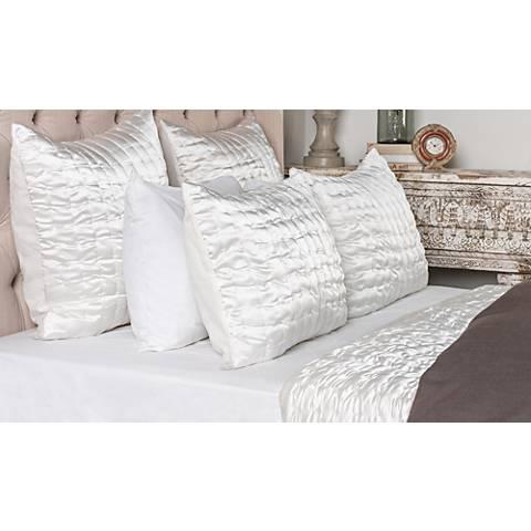 Aura Ivory Fabric Quilt