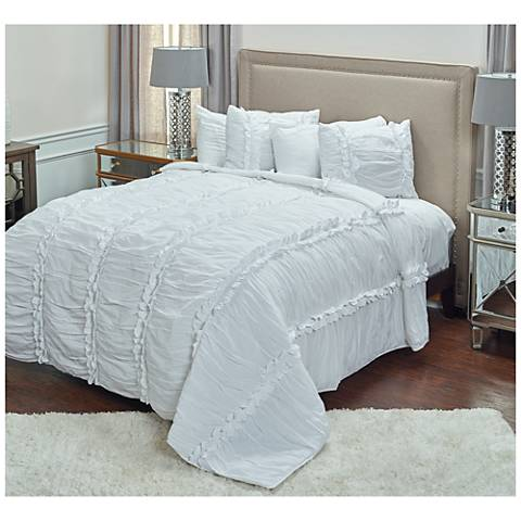 Clementine White Textured Quilt