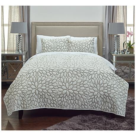 Petal Ivory Cotton Quilt
