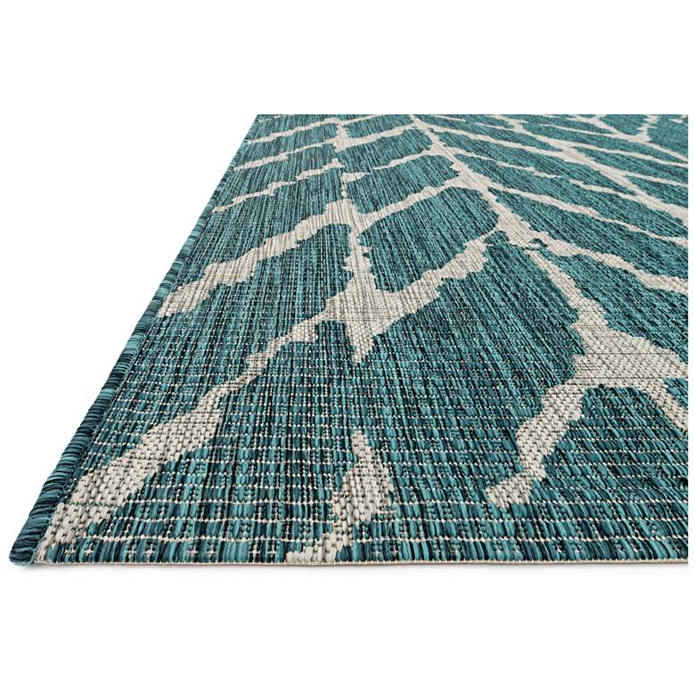"Isle IE-02 5'3""x7'7"" Teal and Gray Outdoor Area Rug"