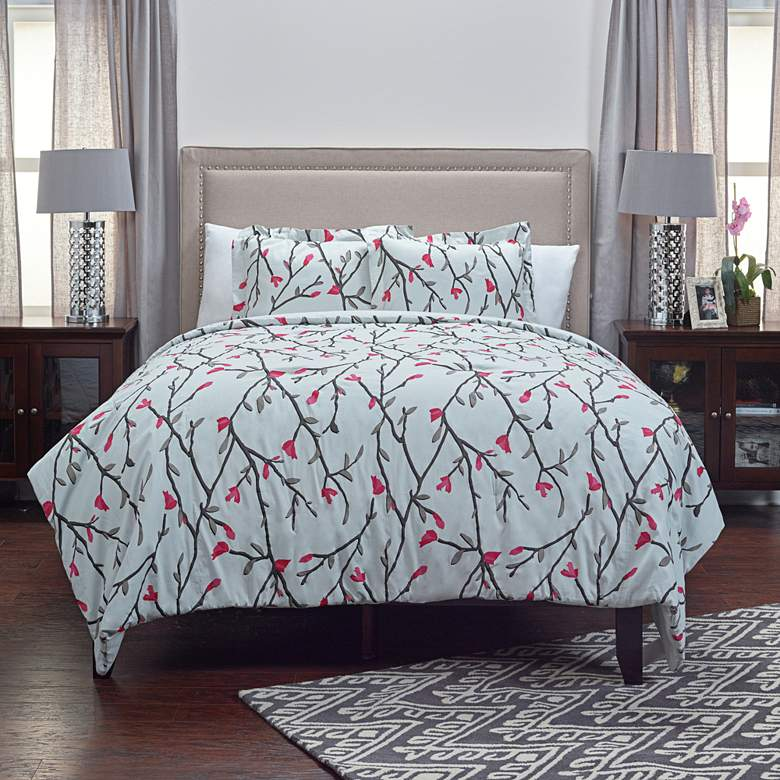 Blossoms and Blooms 3-Piece Ivory Queen Comforter Set
