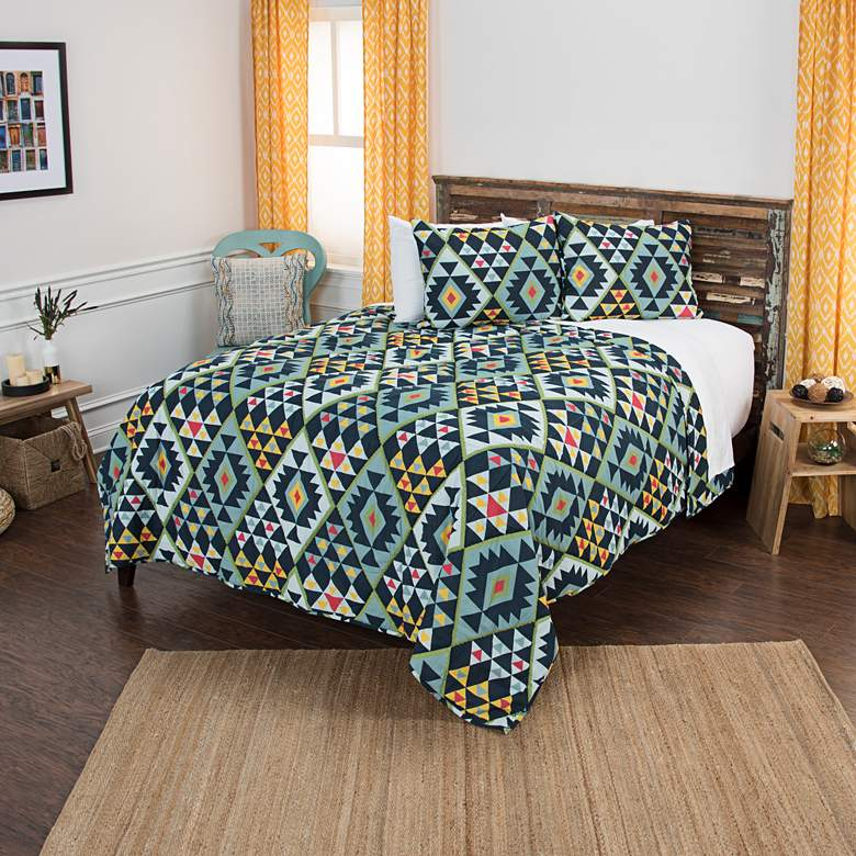 Maddux Place Navy Multi-Color 3-Piece Queen Quilt Set