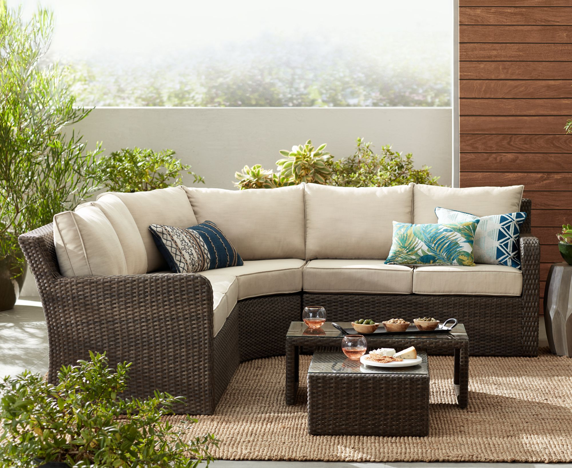 Point View Wicker 5 Piece Outdoor Patio Set With Firepit