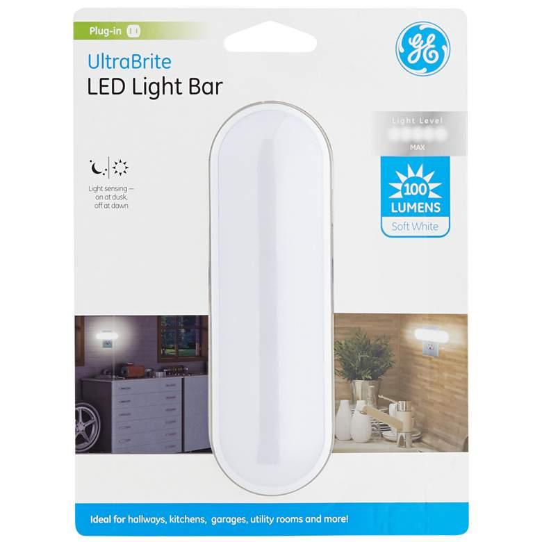 GE UltraBrite Soft White 100 Lumens LED Plug-In Light Bar