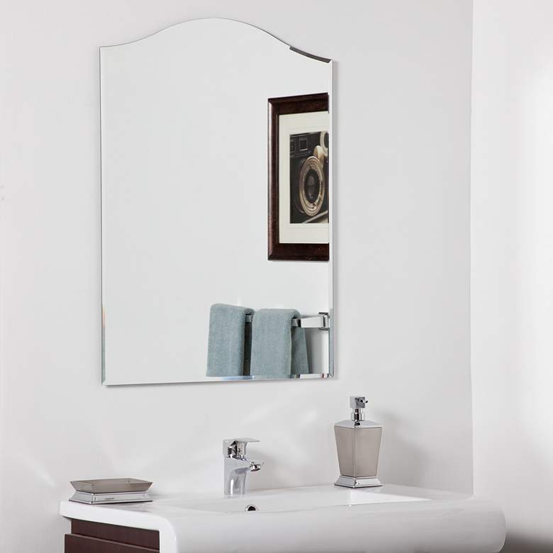 "Amelia Modern 23 1/2"" x 31 1/2"" Arched Wall Mirror"