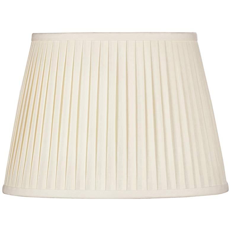 Eggshell Oval Softback Linen Shade 9/5x12/8x9 (Spider)