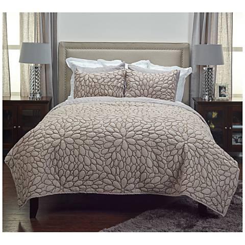 Petal Blush Natural Cotton Quilt