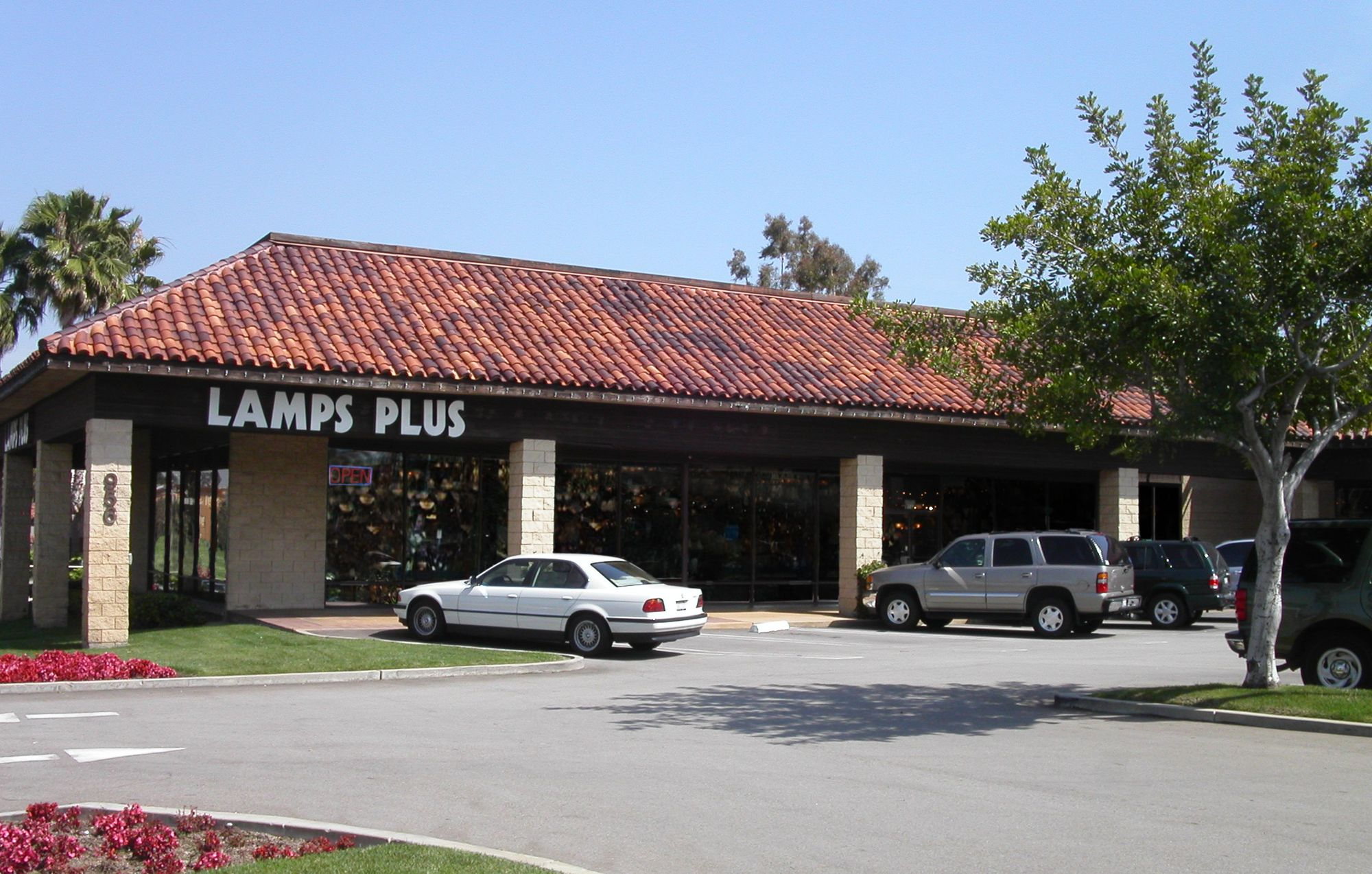 Lamps Plus Brea Ca Imperial Hwy 92821 Orange County Lighting Store Pendant Decorative Electrical Wiring Manager Robert Berge